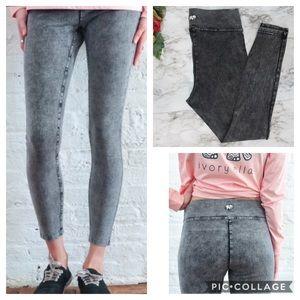 Ivory Ella Charcoal Acid Wash Leggings